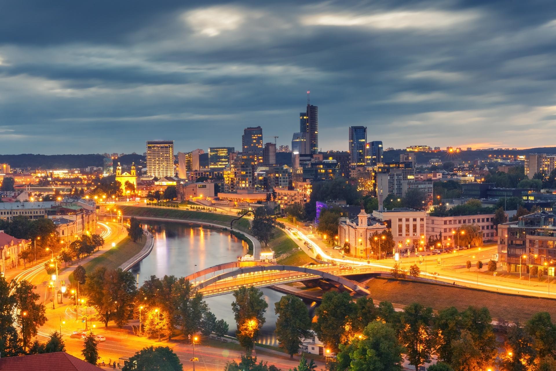 夕暮れのビリニュスの街並み リトアニアの風景