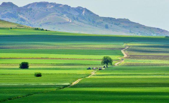 マチン山麓の風景 ルーマニアの風景