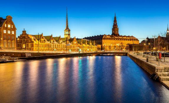 夕暮れのコペンハーゲン デンマークの風景