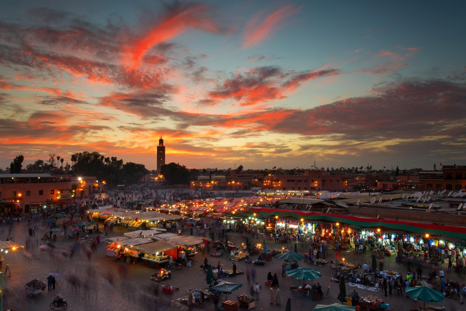 ジャマ・エル・フナ広場の風景 モロッコの風景