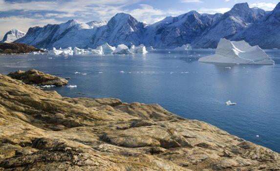 フィヨルドの風景 イットコルトールミート グリーンランドの風景