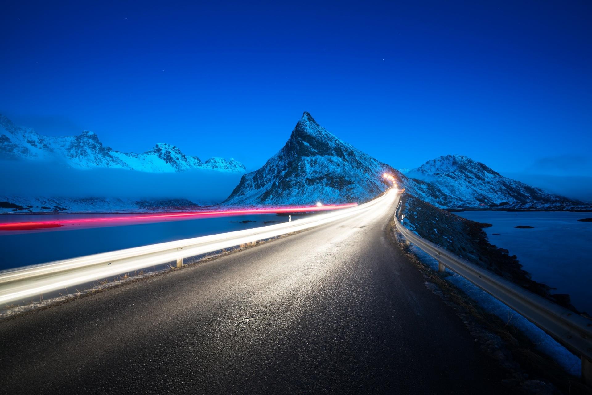春のロフォーテン諸島 夜の風景 ノルウェーの風景