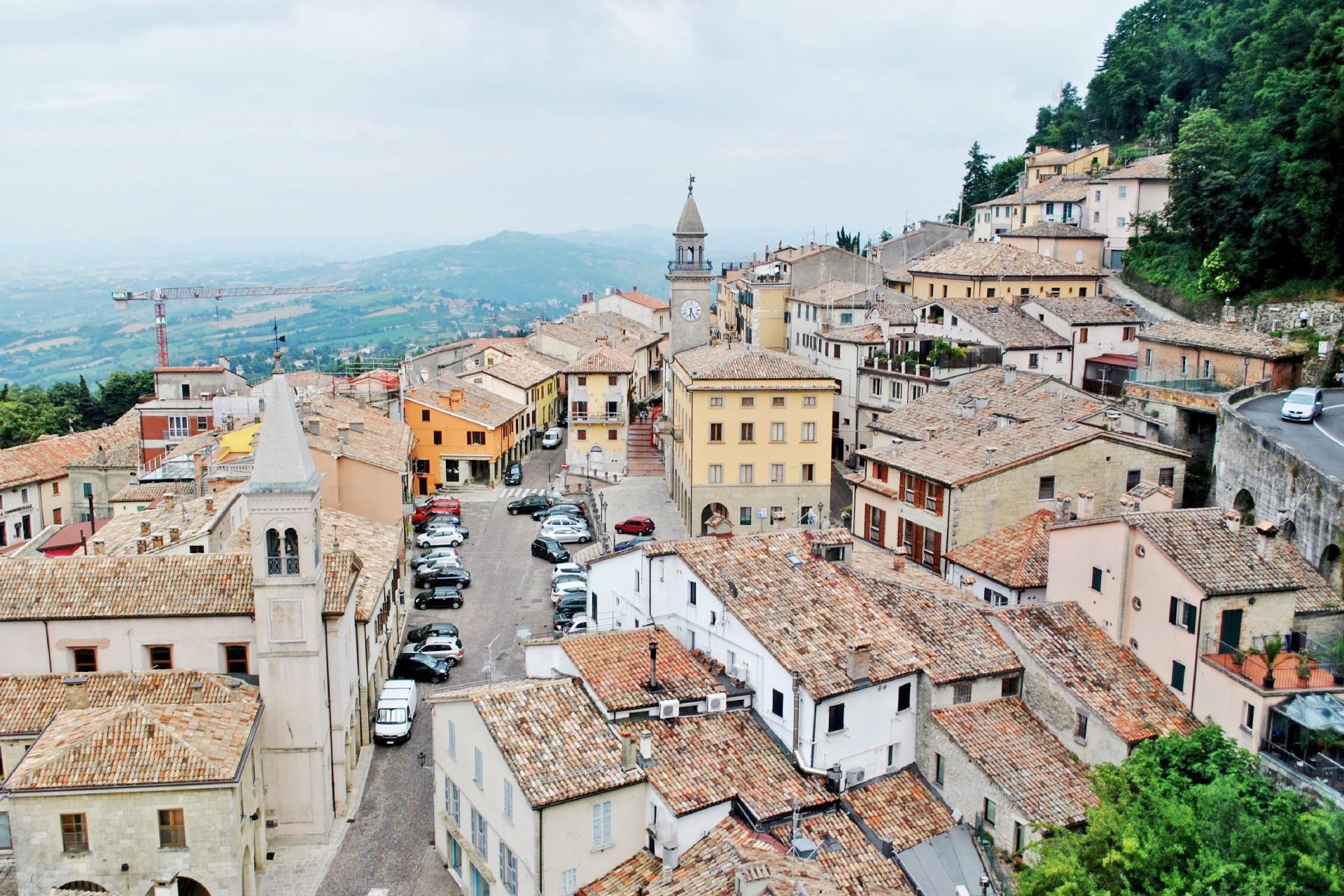 サン・マリノの街並み サン・マリノの風景