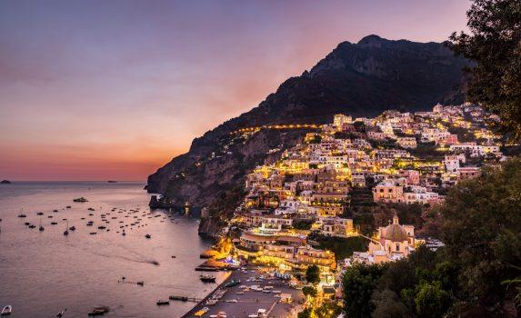 夕暮れのポジターノ イタリアの風景