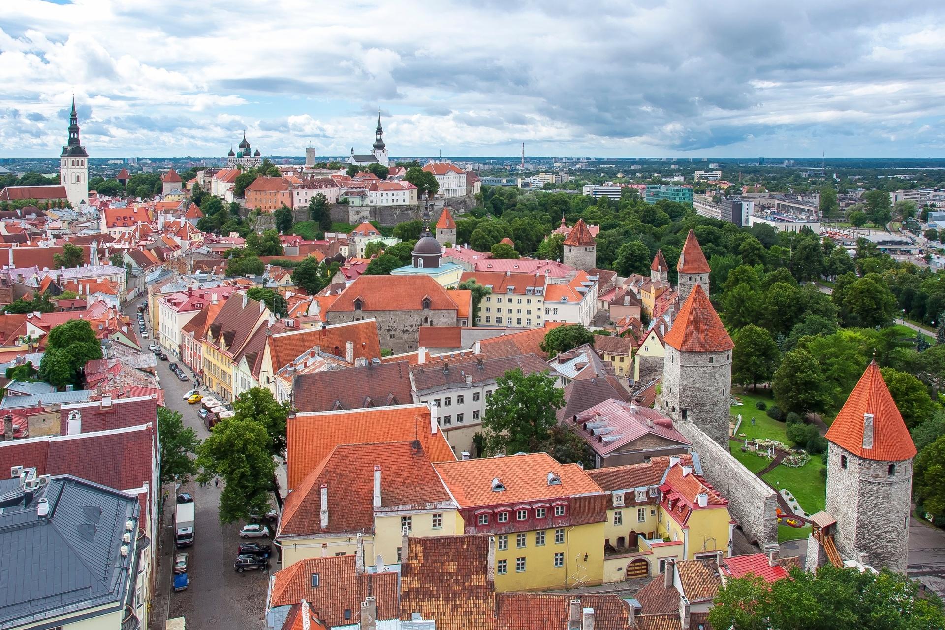 聖オラフ教会から見るタリンの風景 エストニアの風景