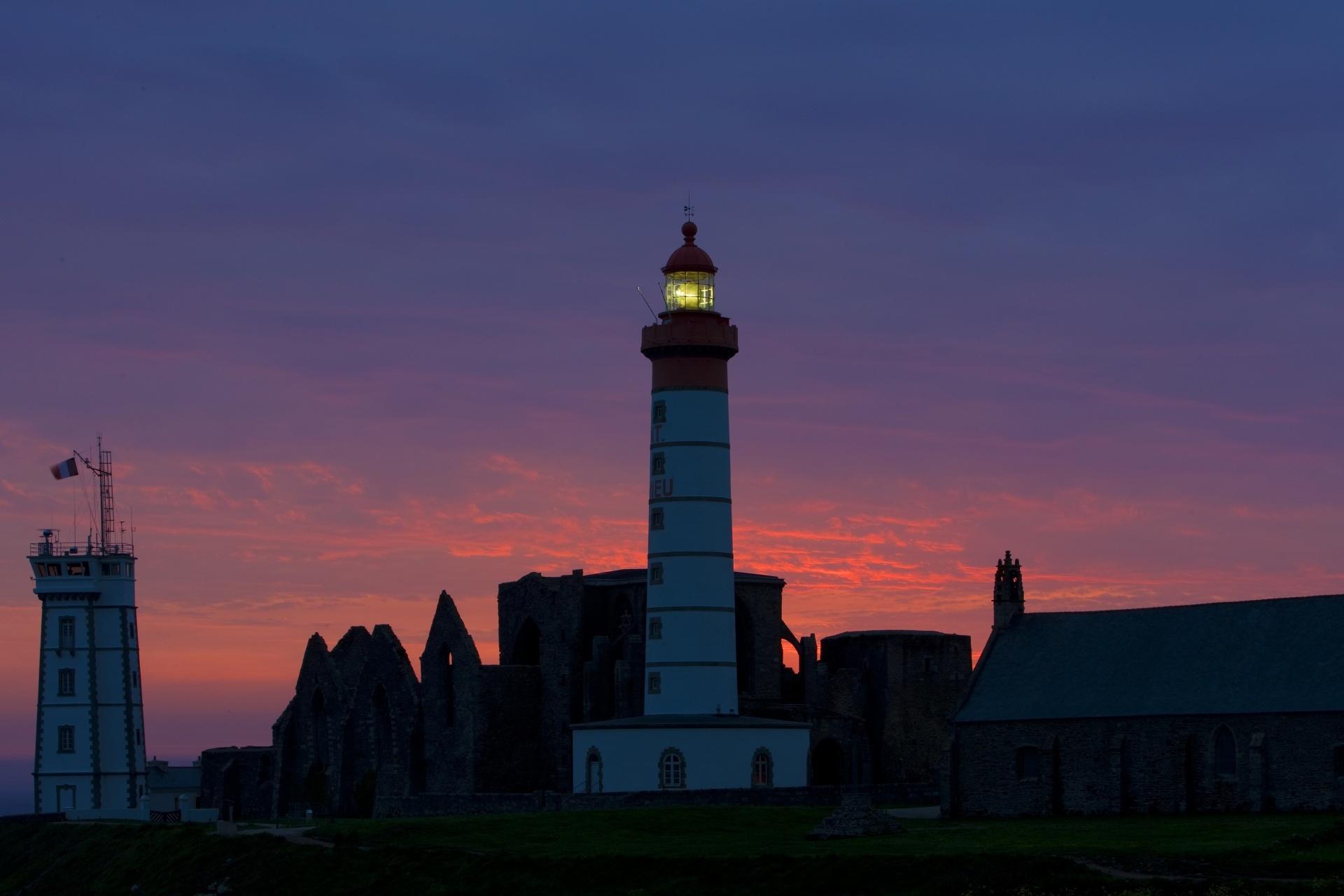 サン=マティウ岬のトワイライト風景 フランスの風景