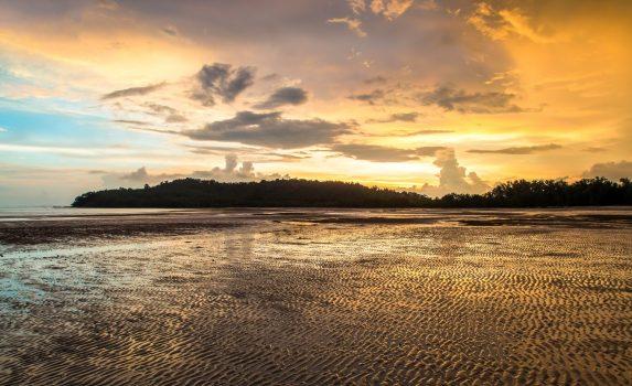 ヤオヤイ島の夕暮れ タイの風景