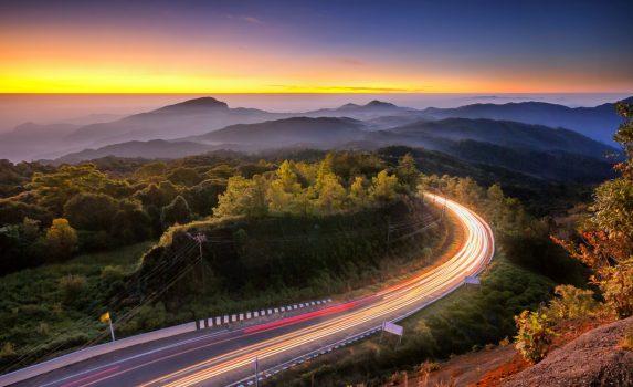 ドイ・インタノン国立公園のトワイライト風景 タイの風景