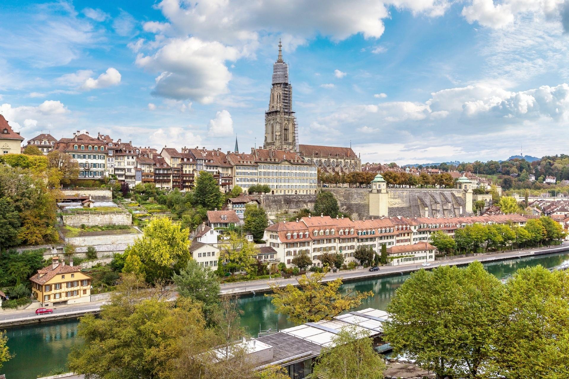 ベルン大聖堂とベルンの街並み スイスの風景