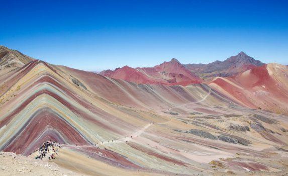 ヴィニカンカ・レインボー・マウンテンの風景 ペルーの風景