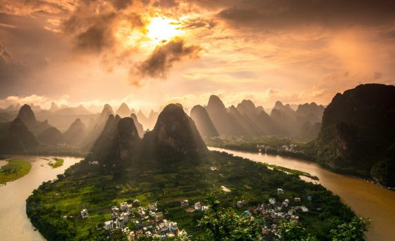 夕暮れの桂林 中国の風景