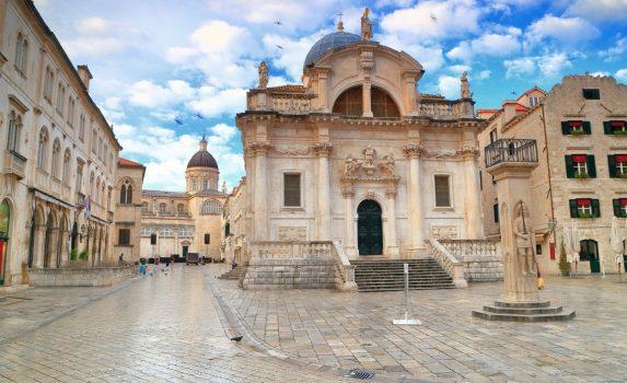 ドゥブロブニクの聖ブレイズ教会 クロアチアの風景