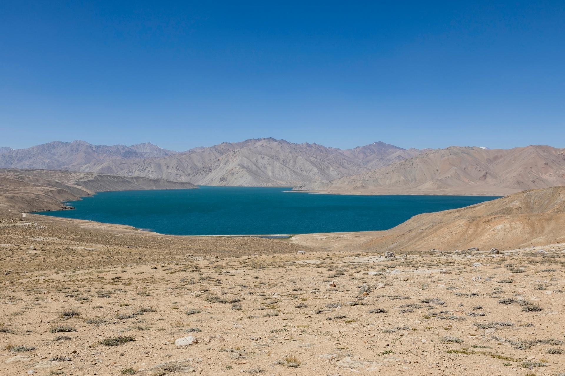 ヤシクル湖の風景 タジキスタンの風景