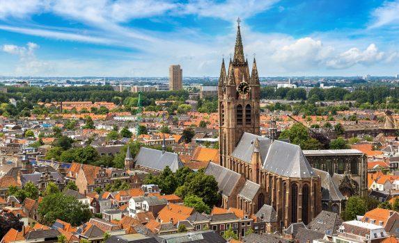美しい夏の日のデルフトの風景 オランダの風景