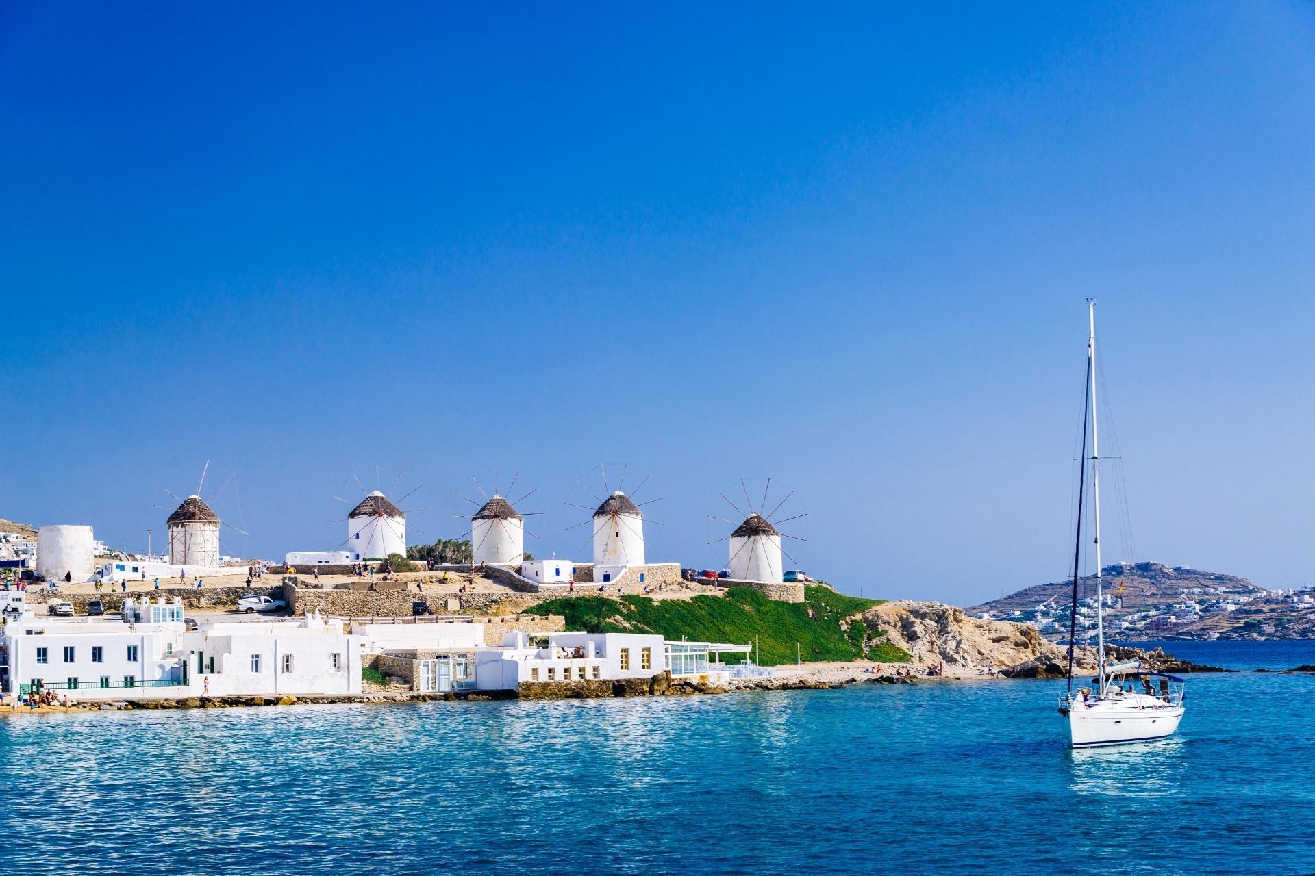 夏のミコノス島 風車のある風景 ギリシャの風景
