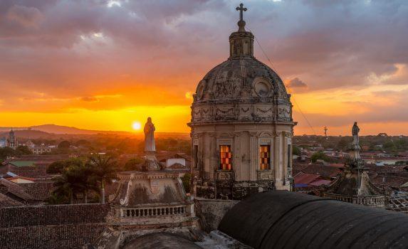 夕暮れのグラナダの街並み ニカラグアの風景