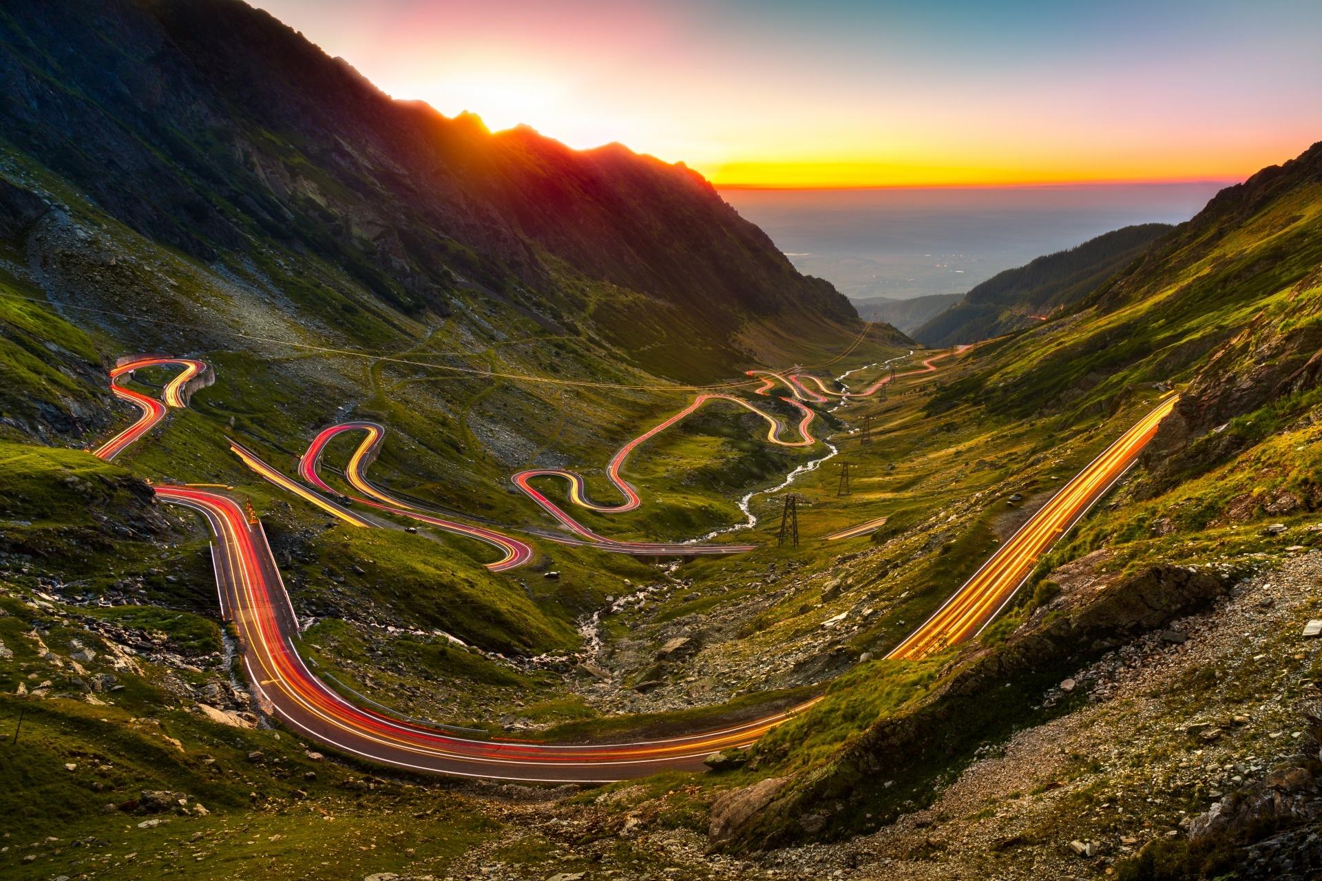 夕暮れのトランスファガラシャン(山岳道路) ルーマニアの風景