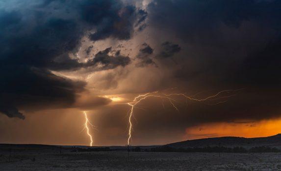 嵐の夕焼け風景