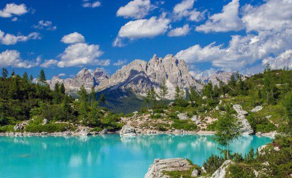 ソラピス湖の風景 イタリアの風景