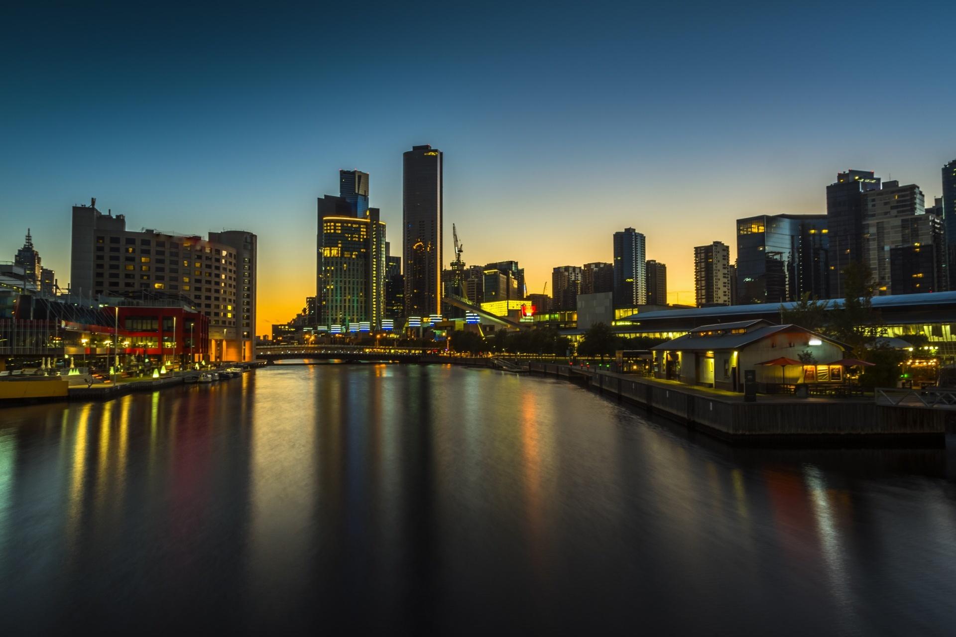 夜明けのメルボルン オーストラリアの風景