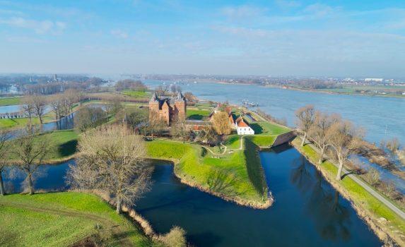 空から見る中世の城「ルーヴェスタイン城」 オランダの風景