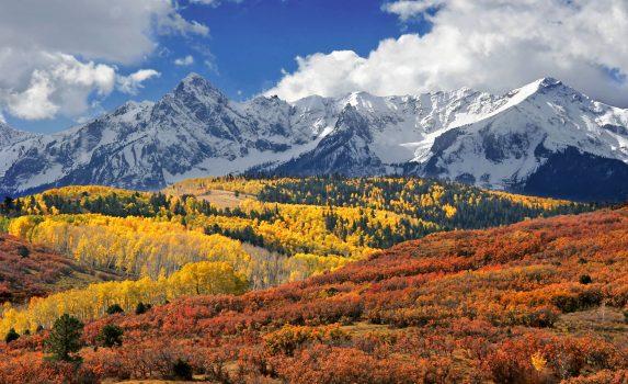秋のサン・フアン山脈 紅葉風景 アメリカの風景