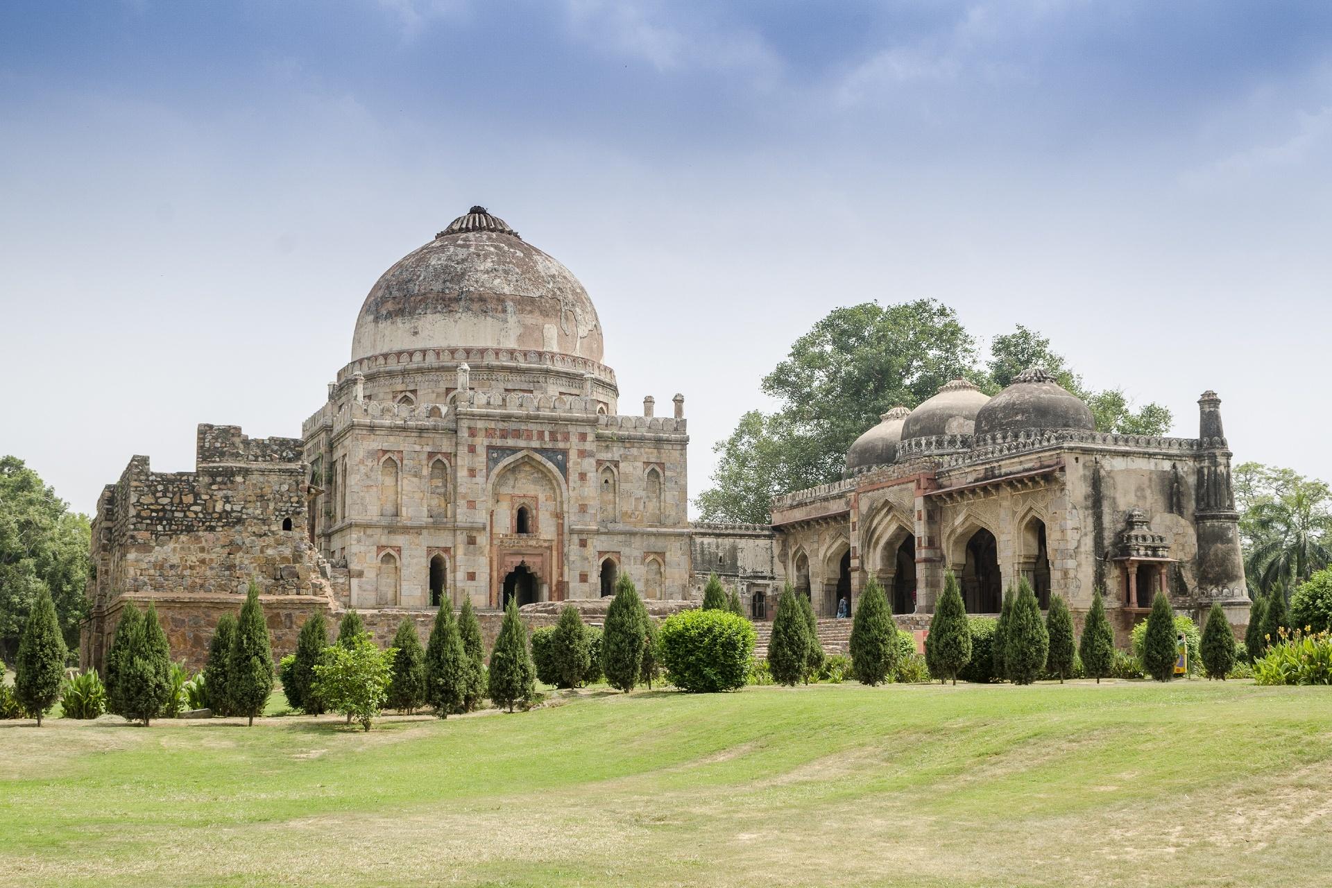 ローディー・ガーデン バラー・グンバド インドの風景