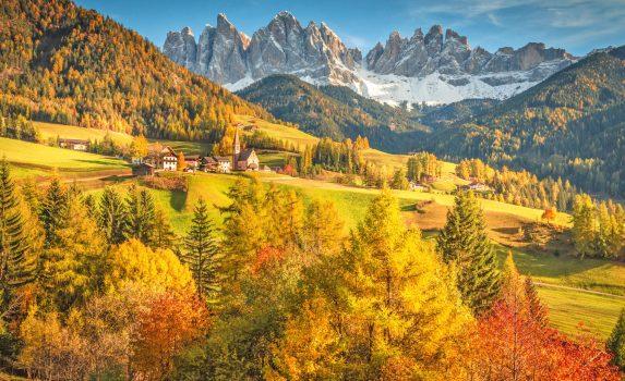 南チロルの秋の風景 イタリアの風景