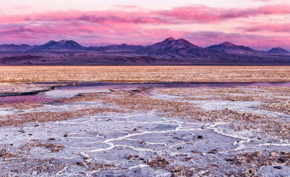 夕暮れのアタカマ塩原 チリの風景