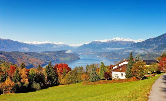南オーストリアの美しい秋の風景 オーストリアの風景