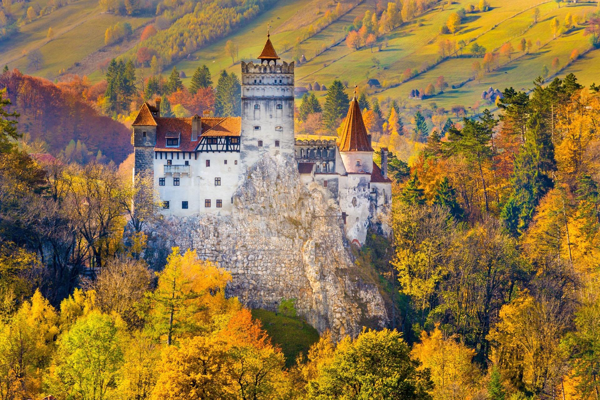 秋のブラン城 ルーマニアの風景