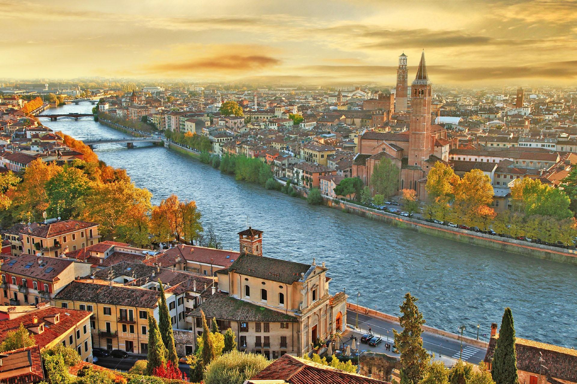 ヴェローナの夕景 イタリアの風景