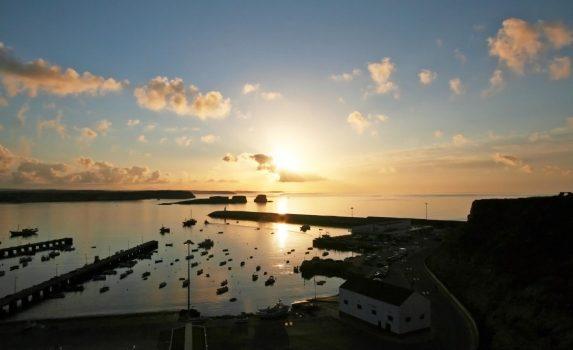 港の日の出の風景 ポルトガルの風景