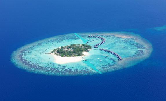 空から見るラー環礁 モルディブの風景