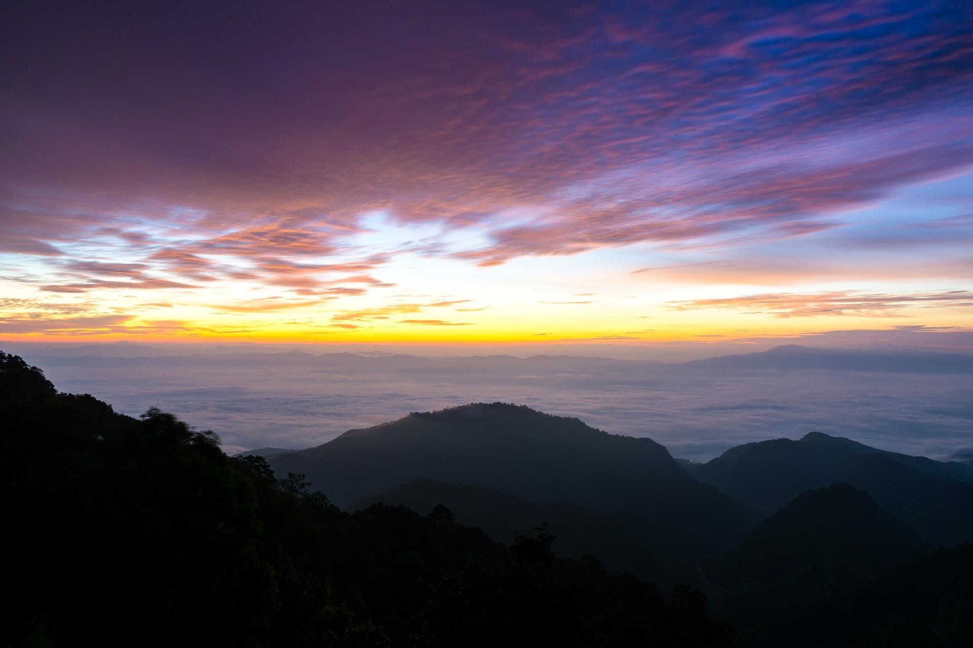夜明けの風景 タイの風景