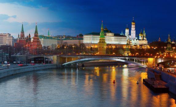 夜のモスクワ川とクレムリン モスクワの風景 ロシアの風景