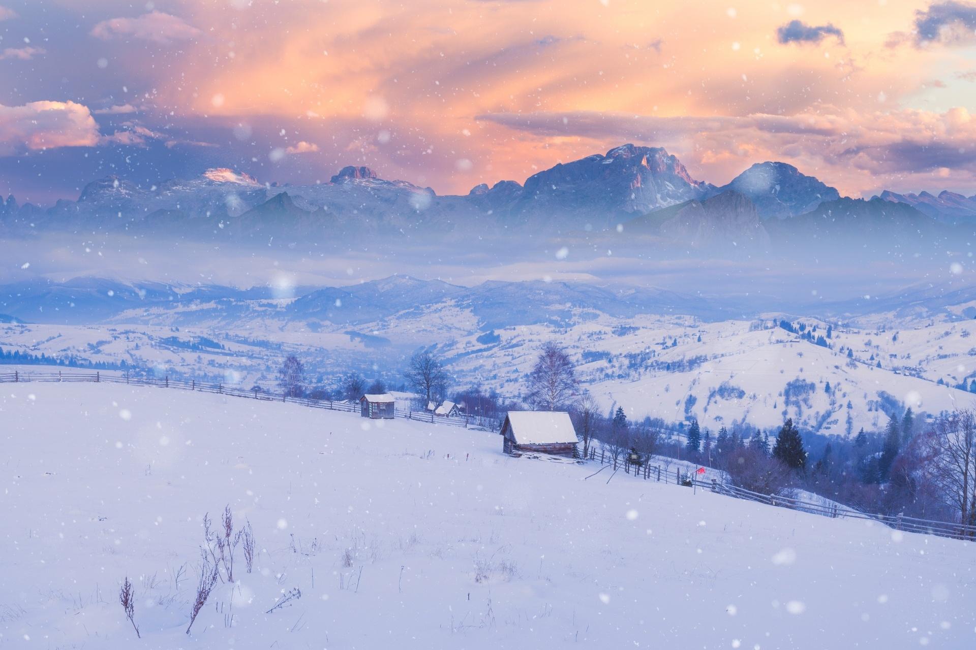 冬のアルプスの風景 イタリアの風景