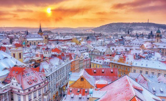 クリスマスの時期のプラハ チェコの風景