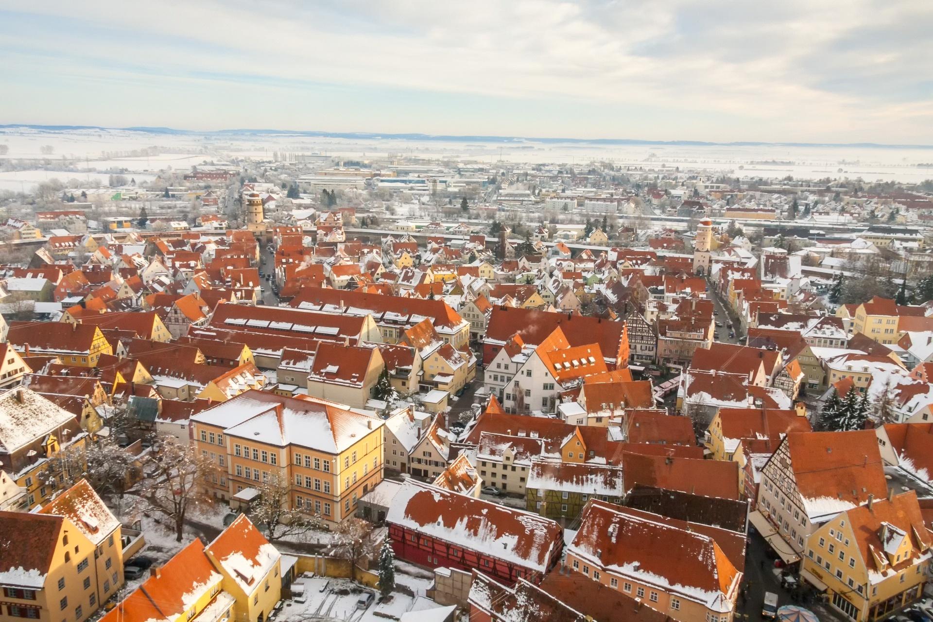 冬のネルトリンゲン ドイツの風景
