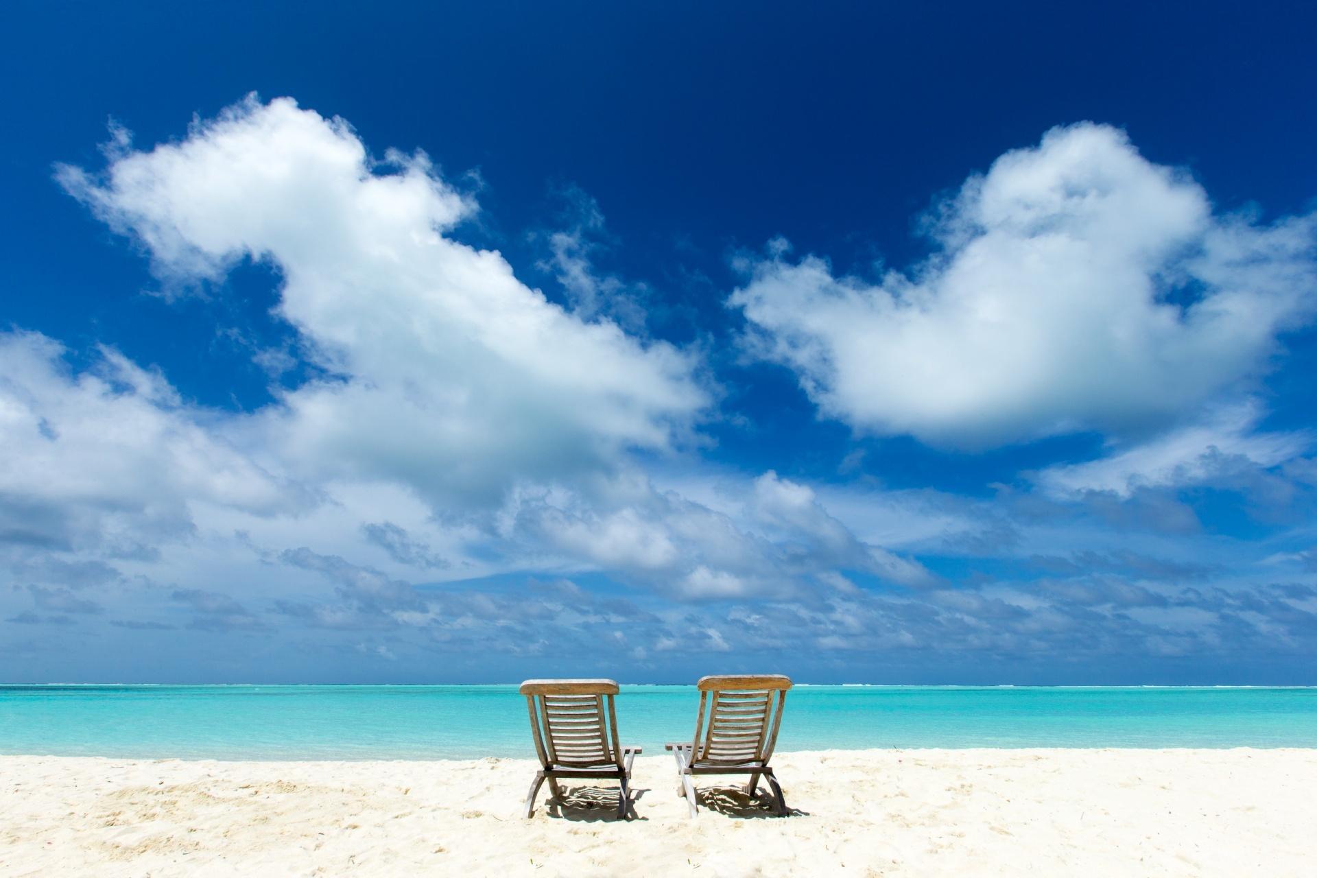 青い空と美しい海とビーチの風景 モルディブの風景