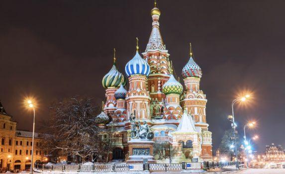 冬のモスクワ 夜の聖ワシリイ大聖堂 ロシアの風景