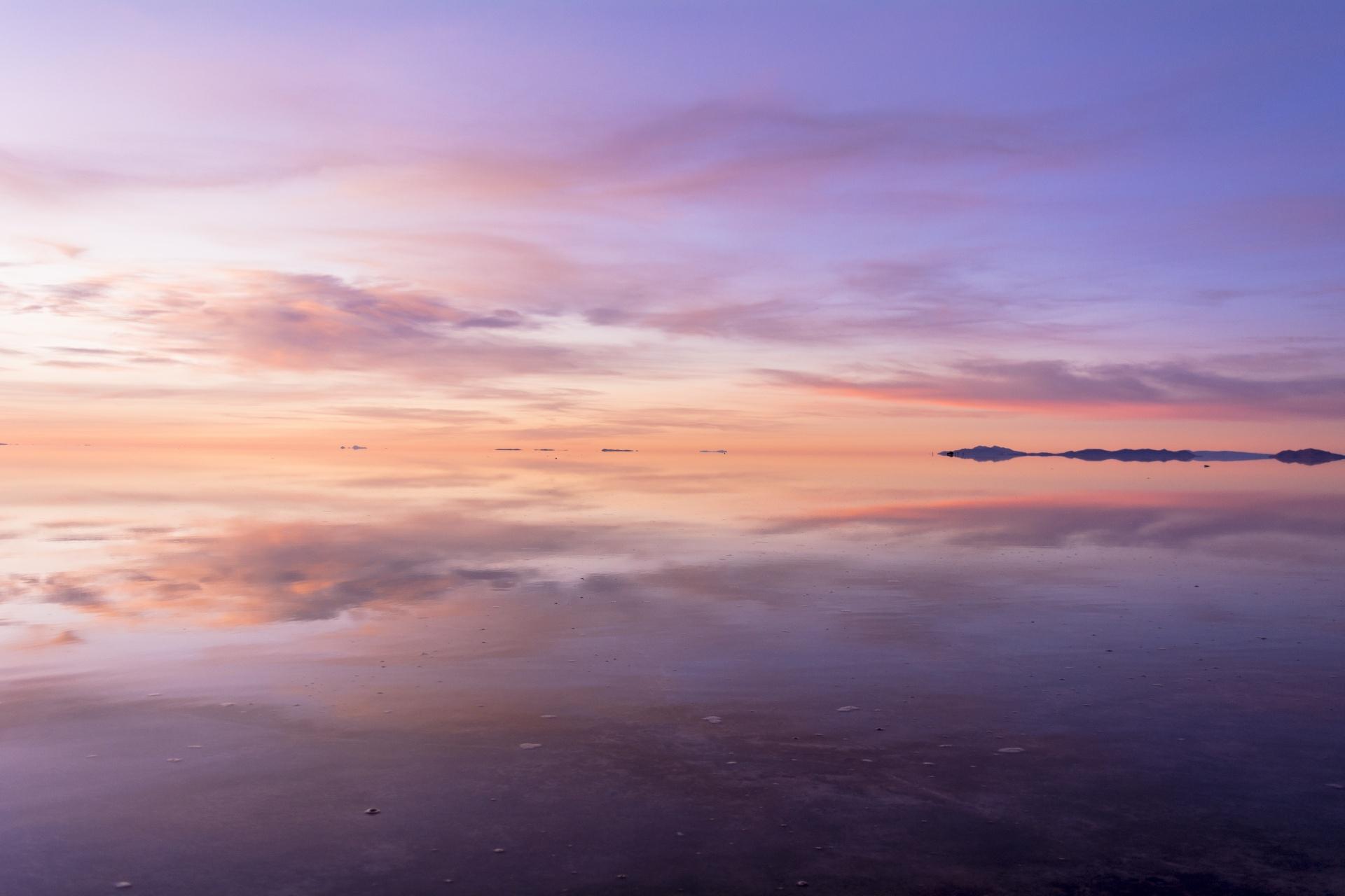ウユニ塩湖の風景 ボリビアの風景