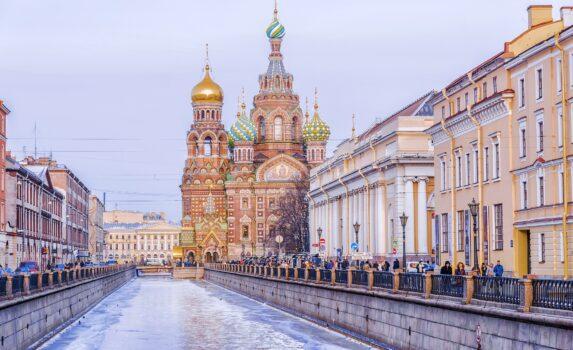 冬のサンクトペテルブルク「血の上の救世主教会」 ロシアの風景
