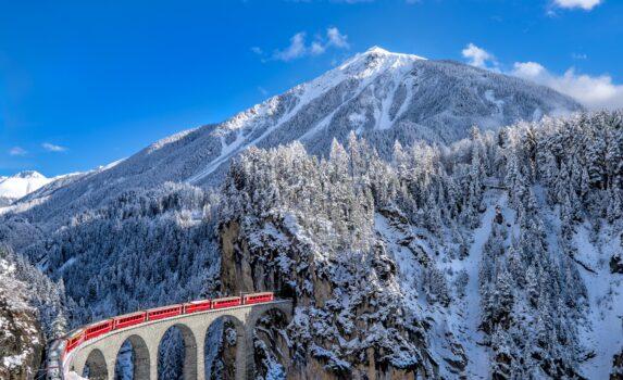 氷河急行とユングフラウ スイスの風景