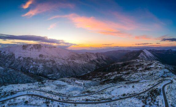 冬のタイゲトス山脈 ギリシャの風景