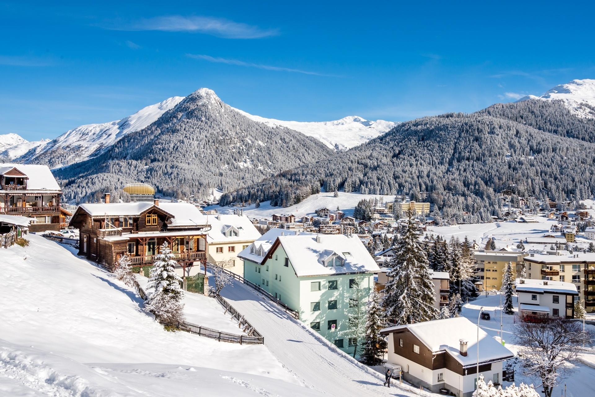 冬のダボスの風景 スイスの風景