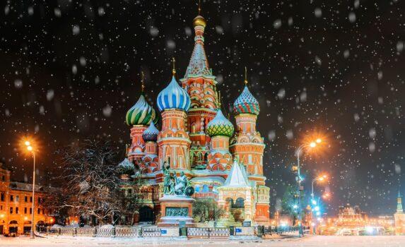 雪の夜のモスクワ ロシアの風景