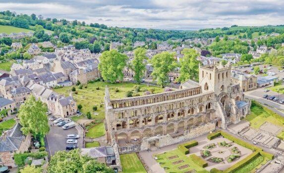 ジェドバラ修道院遺跡 スコットランドの風景