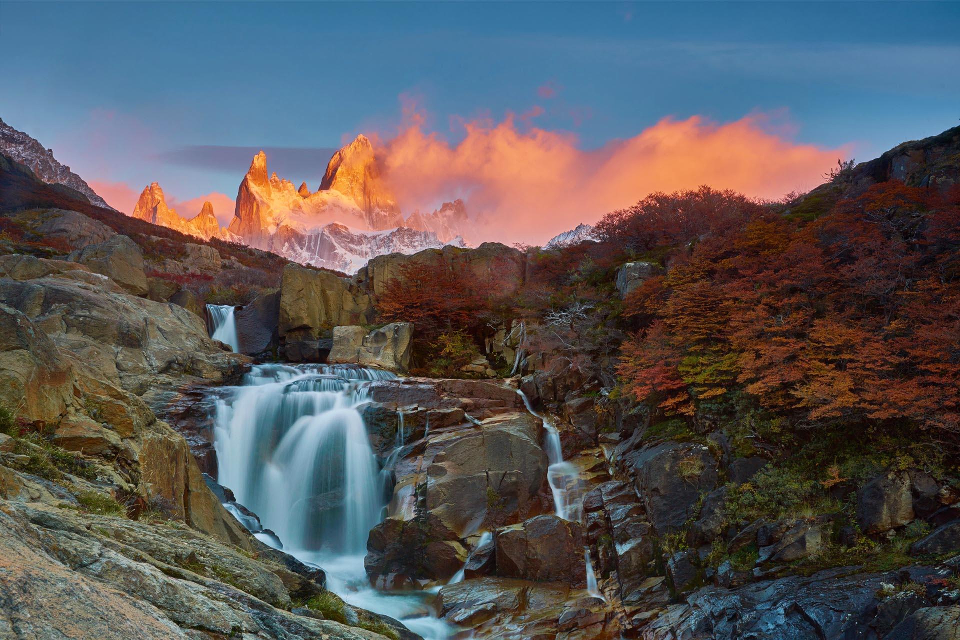 朝のフィッツ・ロイ アルゼンチンの風景