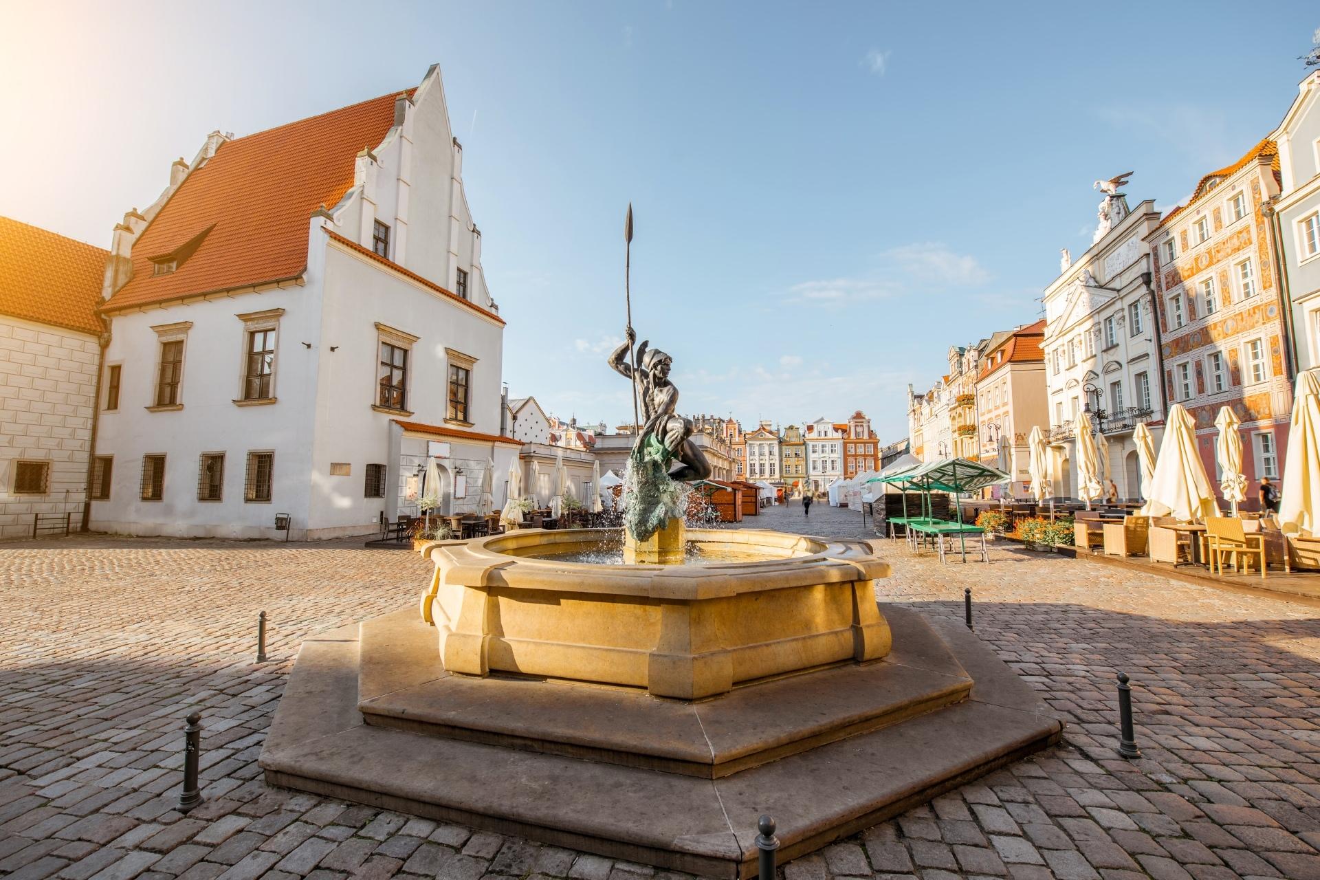 朝のポズナン 朝の旧市街 ポーランドの風景